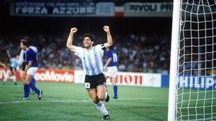 Diego Maradona vs Italia en el Mundial 1990