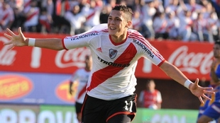 Lucas Ocampos celebra un gol en River