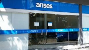 ¿Quiénes podrán cobrar el tercer bono Anses de 10.000 en julio?