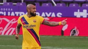 Arturo Vidal celebra su gol al Valladolid