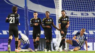 Sterling celebra uno de sus goles al Brighton