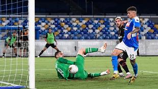 El gol de Di Lorenzo al Milan que suponía el 1-0.