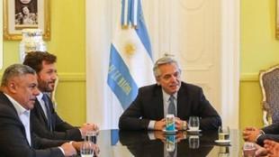 Alberto Fernández, presidente de Argentina, junto a Alejandro...