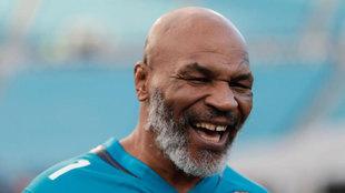Mike Tyson sonríente durante un acto en Estados Unidos