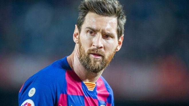 Leo Messi se prepara para jugar contra Napoli.
