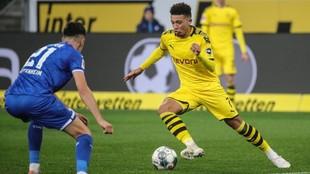 Jadon Sancho durante un partido con el Dortmund.