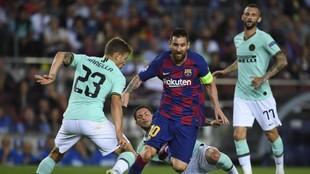 Messi, en acción ante el Inter en un partido de Champions