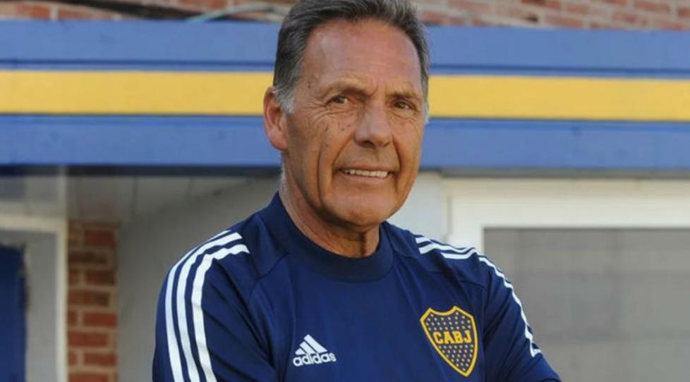 Miguel Angel Russo, sonriente