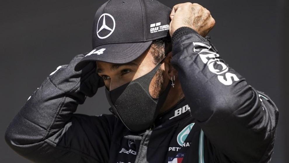 Hamilton durante la carrera de calificación.