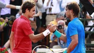Roger Federer y Rafa Nadal, después de un partido.