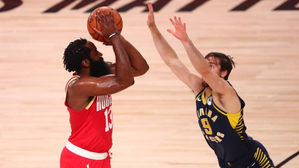 Harden, en un partido con los Rockets.