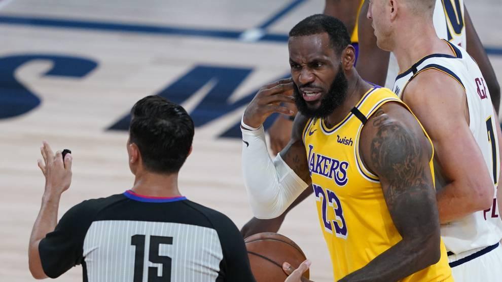 LeBron James, en un partido con Los Angeles Lakers.