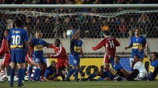 El gol de Kuffour a Boca.