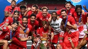 Los jugadores del Bayern festejan la Copa de Europa.