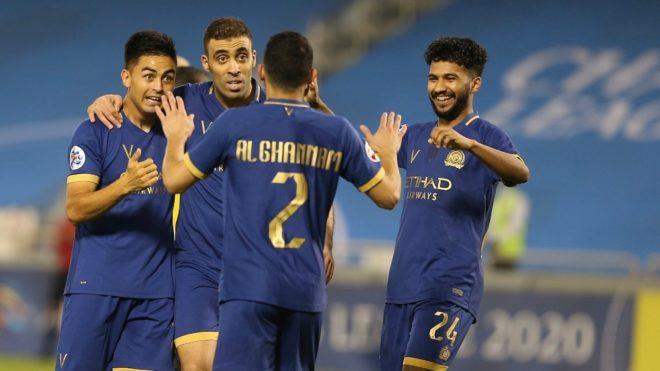 Pity Martínez celebra el gol del Al-Nassr con sus nuevos compañeros
