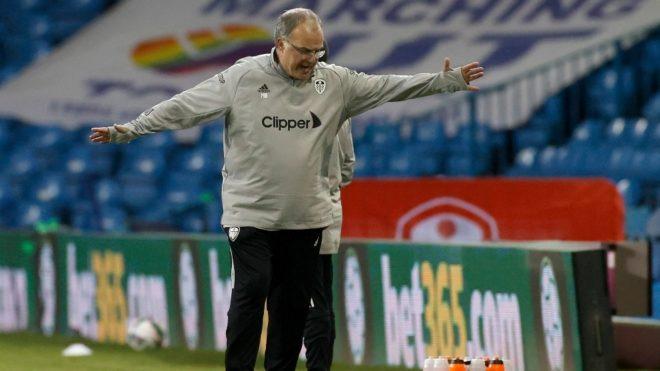 Marcelo Bielsa, enojado por la actuación de su equipo