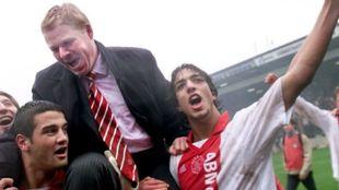 Koeman y Mido en el Ajax.