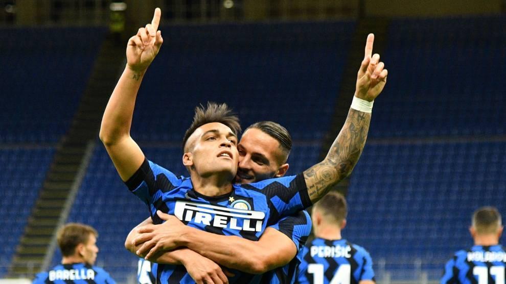 Así celebra Lautaro Martínez su gol con el Inter ante la Fiorentina.