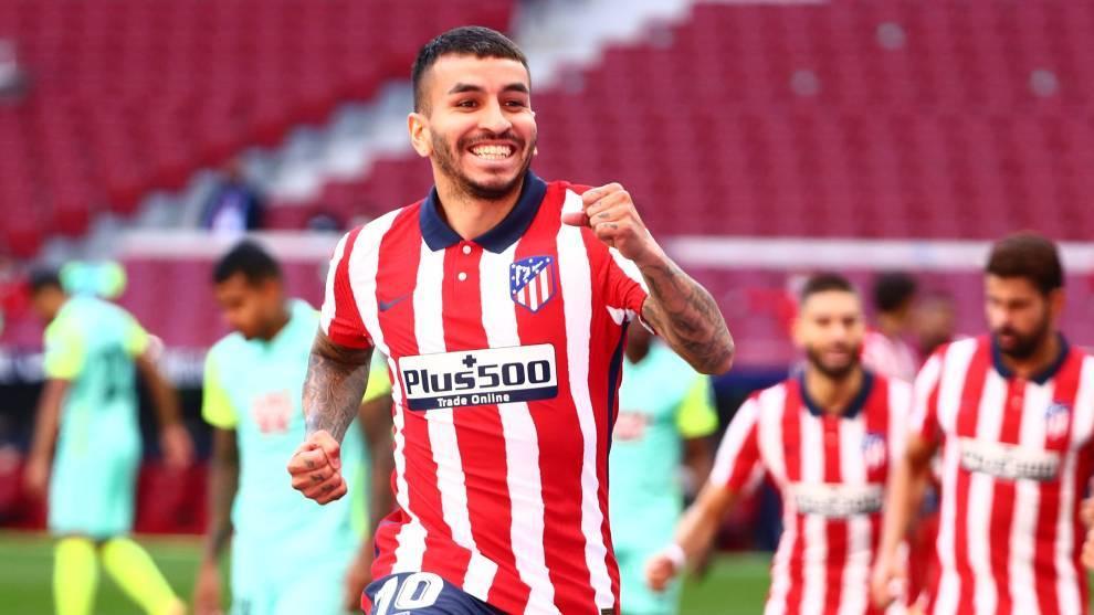 Ángel Correa, celebrando uno de los goles del Atlético contra el...