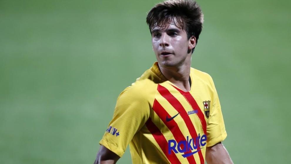 Riqui Puig, en acción con el Barcelona