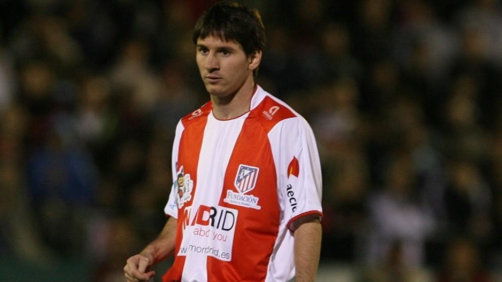 Messi, con la camiseta del Atlético de Madrid.