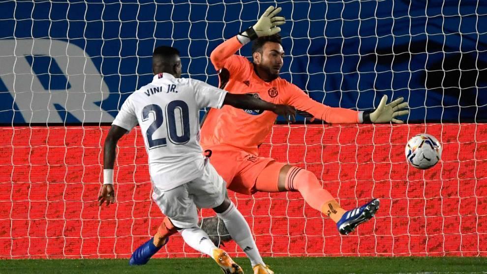 Vinícius da un sufrido triunfo al Real Madrid