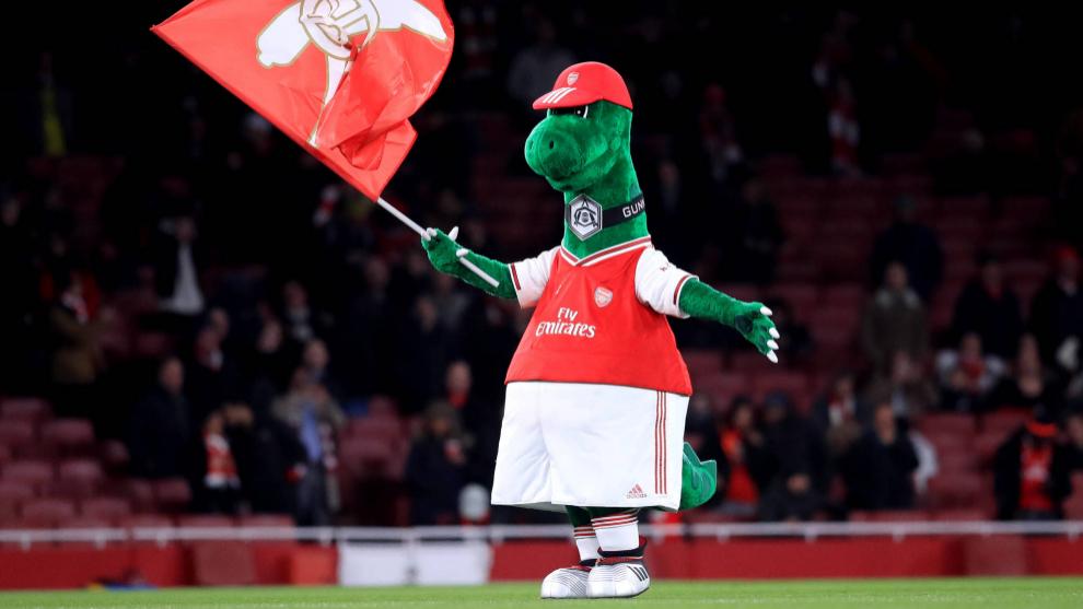 Gunnersaurio, durante un partido con el Arsenal.