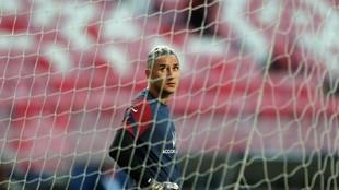 Keylor Navas durante un partido con el PSG.