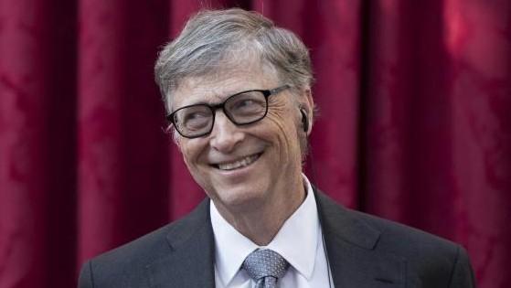 Bill Gates predice cuándo y cómo se saldrá de la pandemia.
