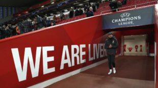 Diego Pablo Simeone, antes del partido ante el Liverpool en Anfield.