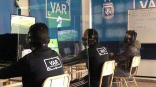 El VAR desembarca en Argentina y comienza a probarse