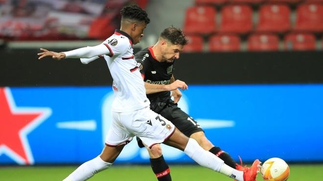 Lucas Alario y un zurdazo excelente para Leverkusen