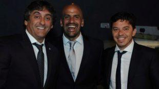 Verón, justo a Enzo Francescoli y Marcelo Gallardo.