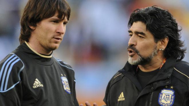 Messi y Maradona.