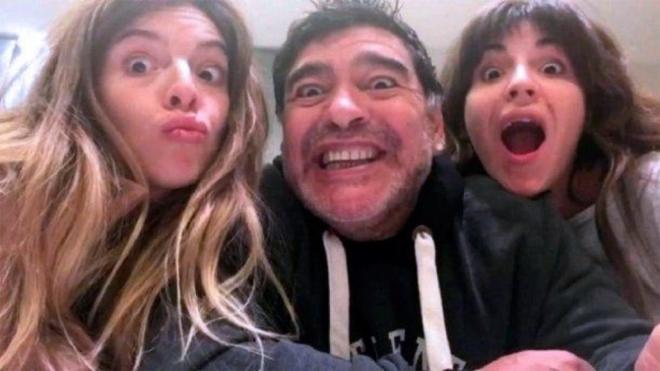 Cuáles son los hijos de Maradona que buscan cuidar al exfutbolista y...