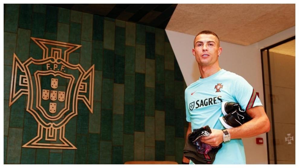 Cristiano Ronaldo, a su llegada a la concentración de Portugal.