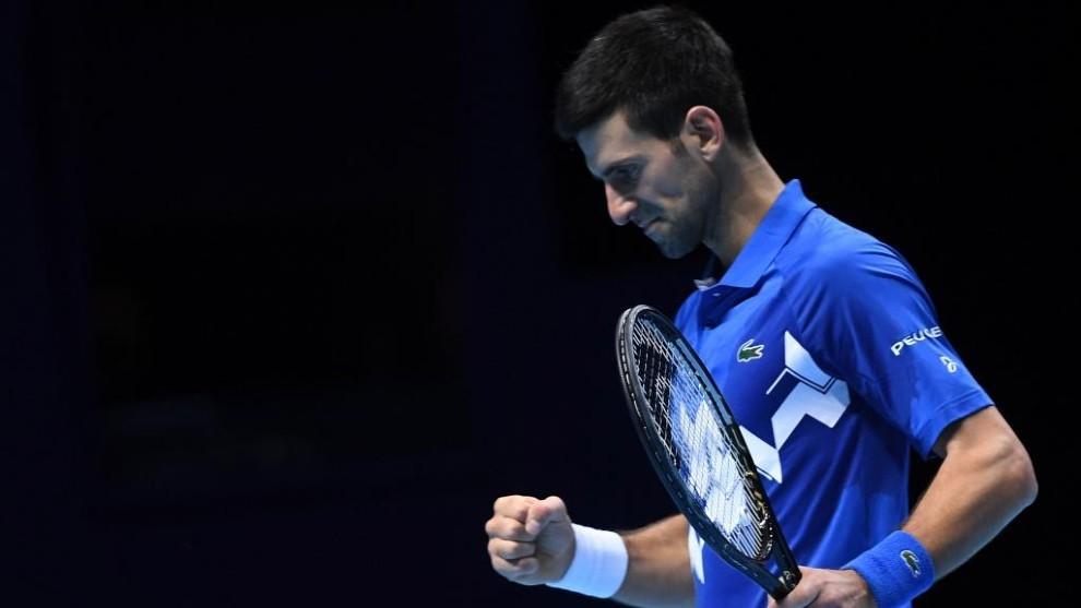 Djokovic celebra un punto del partido ante Zverev.