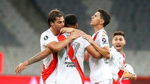 Paulo Díaz celebra el gol de River ante Ahtletico Paranaense