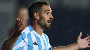 Lisandro López, durante el partido ante Flamengo y su reacción al...