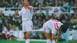 Simeone y Maradona, en un partido del Sevilla