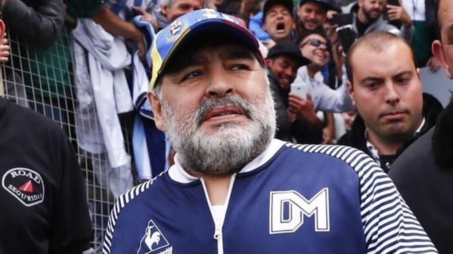 Diego Maradona, durante un partido de Gimnasia.