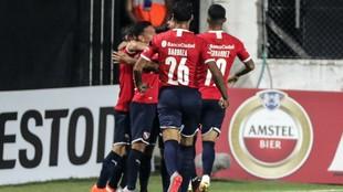 Huracán vs Independiente Juniors por la Copa Diego Maradona.