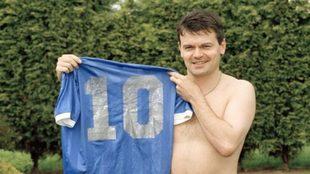 Hodge y la camiseta de Maradona.