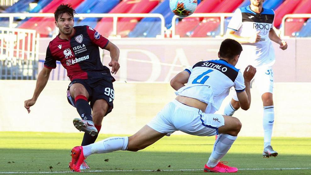 Gio Simeone, en un partido con el Cagliari