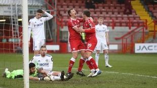 Crawley eliminó al Leeds United en la FA Cup de Inglaterra