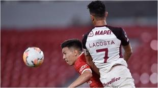 Alan Velasco, en un partido con Independiente.