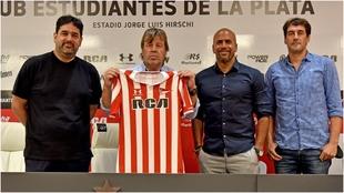 Ricardo Zielinski, en su presentación con Estuadiantes de la Plata.