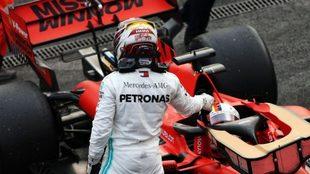 Lewis Hamilton negocia su continuidad en Mercedes