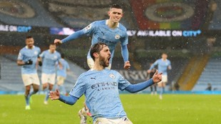 Bernardo Silva celebra el primer gol del City.