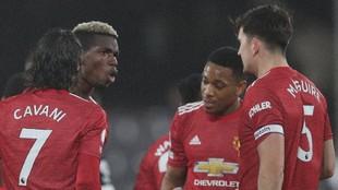 Pogba celebra su gol con sus compañeros.